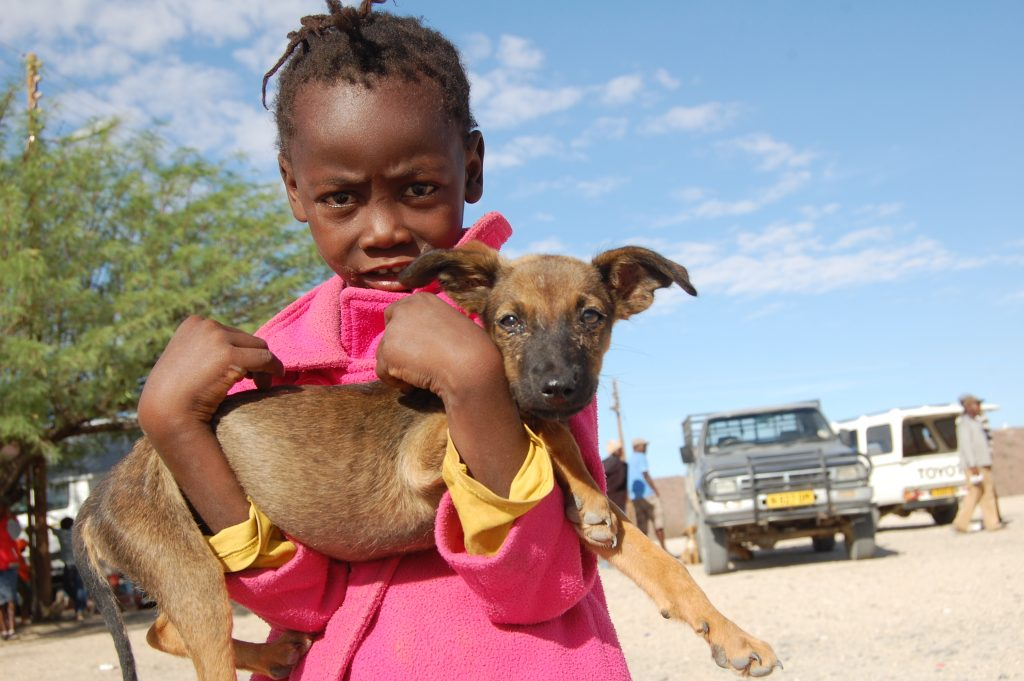 little girl with her puppy in uis